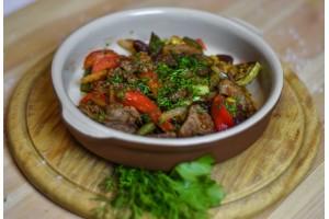 Горячая сковородка с говядиной